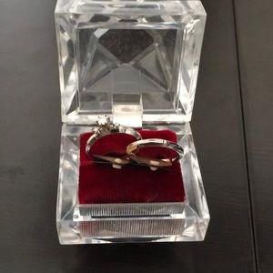 Jewelry - 3 Diamond Engagement & wedding band